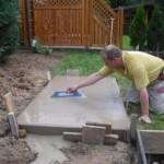 Fundament für Pizzaofen und Grillkamin einschalen und Betonplatte erstellen