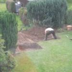 Grube für Steinbackofen und Gartengrill ausschachten